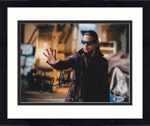 Carlos Valdes Signed 8x10 Photo The Flash Beckett Bas Autograph Auto Coa F