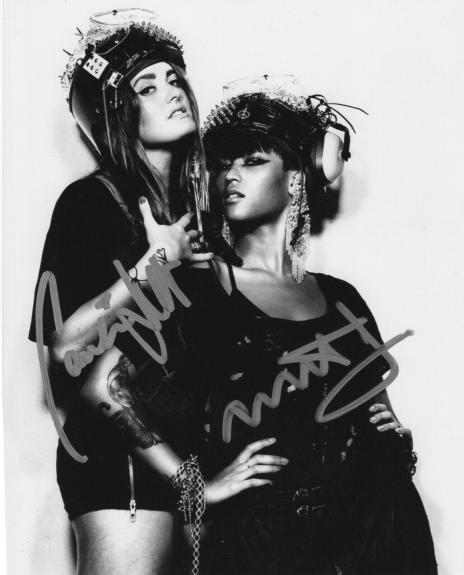 Caroline Hjelt  Aino Jawo  Signed 8x10 Photo w/COA Icona Pop I Love It