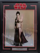 "Carrie Fisher Signed Star Wars ""princess Leia"" 16x20 Photo Framed Psa/dna Z29162"