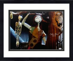 Catherine O'Hara Signed The Nightmare Before Christmas 16x20 Canvas PSA/DNA COA