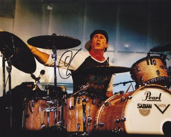 Autographed Chad Smith Photo - Red Hot Chili Peppers Drummer 8x10