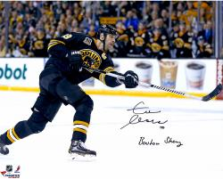 Zdeno Chara Boston Bruins Autographed 16'' x 20'' Photograph with Boston Strong Inscription - Mounted Memories