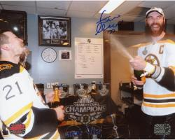 """Zdeno Chara Boston Bruins 2013 Stanley Cup Champions Autographed 8"""" x 10"""" Stanley Cup Celebration Photograph"""