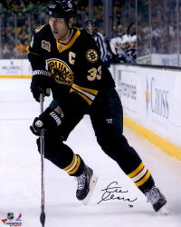 "Zdeno Chara Boston Bruins Autographed 16"" x 20"" Vertical With Puck Photograph"