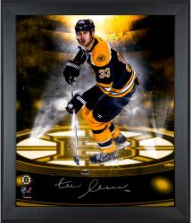 """Zdeno Chara Boston Bruins Framed Autographed 20"""" x 24"""" In Focus Photograph-#1 of a Limited Edition of 33"""