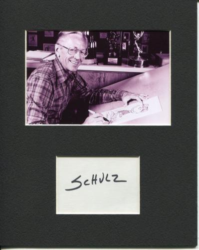 Charles M. Schulz Peanuts Snoopy Cartoonist Artist Autograph Photo Display