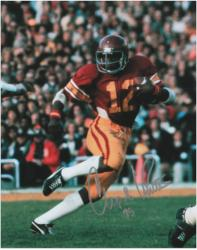 Charles White USC Trojans Autographed 8'' x 10'' Photograph with '79 Inscription - Mounted Memories