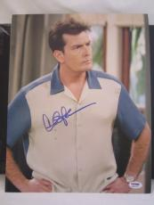 CHARLIE SHEEN SIGNED AUTO 11x14 PHOTO  PSA/DNA ITP 2 1/2 MEN Z