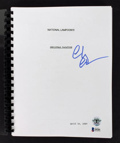 Chevy Chase Signed Christmas Vacation Movie Script BAS Witnessed #I49285