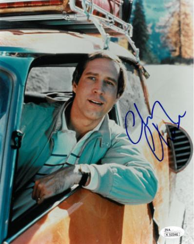 Chevy Chase signed National Lampoon's Vacation 8x10 Photo- JSA Hologram #K52346 (Clark Griswold)