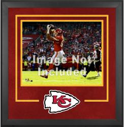 Kansas City Chiefs Deluxe 16'' x 20'' Horizontal Photograph Frame with Team Logo - Mounted Memories
