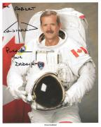 CHRIS HADFIELD HAND SIGNED 8x10 PHOTO+COA      CANADIAN ASTRONAUT      TO ROBERT