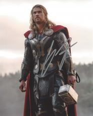 "CHRIS HEMSWORTH as THOR in 2013 Movie ""THOR: THE DARK WORLD"" Signed 8x10 Color Photo"