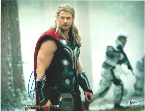Chris Hemsworth Signed 11x14 Photo Thor Avengers Beckett Bas Autograph Auto D