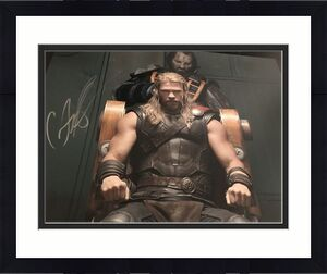 CHRIS HEMSWORTH SIGNED AUTOGRAPH 11x14 PHOTO THOR MARVEL AVENGERS COA AUTO D
