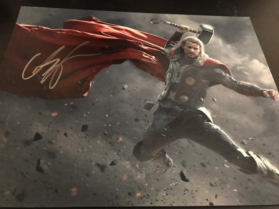 CHRIS HEMSWORTH SIGNED AUTOGRAPH 11x14 PHOTO THOR MARVEL AVENGERS IN PERSON D