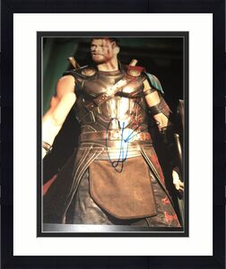CHRIS HEMSWORTH SIGNED AUTOGRAPH 11x14 PHOTO THOR MARVEL IN PERSON COA AUTO G