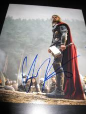 CHRIS HEMSWORTH SIGNED AUTOGRAPH 8x10 PHOTO THOR 2 AVENGERS IN PERSON COA AUTO M