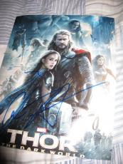CHRIS HEMSWORTH SIGNED AUTOGRAPH 8x10 PHOTO THOR 2 AVENGERS PROMO IN PERSON NY 4