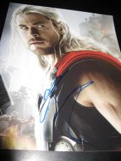 CHRIS HEMSWORTH SIGNED AUTOGRAPH 8x10 PHOTO THOR AVENGERS PROMO IN PERSON COA H