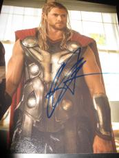 CHRIS HEMSWORTH SIGNED AUTOGRAPH 8x10 PHOTO THOR AVENGERS PROMO IN PERSON COA I