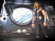 CHRIS HEMSWORTH SIGNED AUTOGRAPH 8x10 PHOTO THOR AVENGERS PROMO IN PERSON COA J