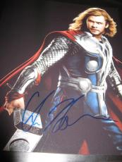 CHRIS HEMSWORTH SIGNED AUTOGRAPH 8x10 PHOTO THOR PROMO HAMMER AVENGERS COA X10