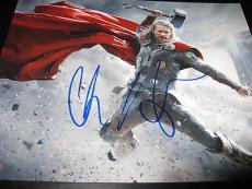CHRIS HEMSWORTH SIGNED AUTOGRAPH 8x10 PHOTO THOR PROMO HAMMER AVENGERS COA X3
