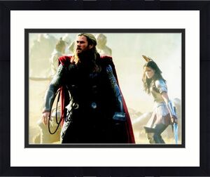 Chris Hemsworth Signed - Autographed THOR AVENGERS 8x10 inch Photo - Guaranteed to pass BAS