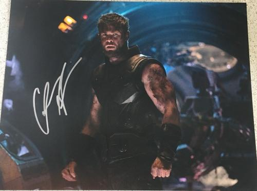 CHRIS HEMSWORTH SIGNED FULL NAME AUTOGRAPH THOR AVENGERS ENDGAME 11x14 PHOTO A