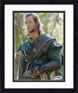 Chris Hemsworth signed *Snow White and the Huntsman* 8X10 photo PSA/DNA V52960
