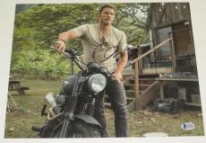 Chris Pratt Signed 11x14 Photo Jurassic World Autograph Proof Pic Beckett Coa C