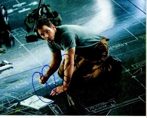 Chris Pratt Signed - Autographed Passengers 8x10 inch Photo - Guaranteed to pass PSA or JSA