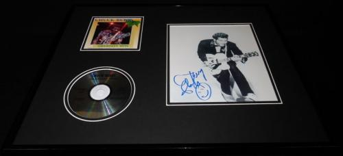 Chuck Berry Signed Framed 16x20 Greatest Hits CD & Photo Set