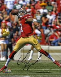 Colin Kaepernick San Francisco 49ers Autographed 8'' x 10'' Passing Photograph - Mounted Memories