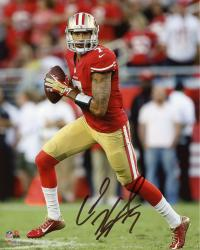 Colin Kaepernick San Francisco 49ers Autographed 8'' x 10'' Roll Out Pass Photograph