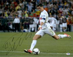 Cristiano Ronaldo Real Madrid Autographed 16'' x 20'' Kicking Photograph