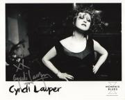 CYNDI LAUPER HANDSIGNED 8x10 PHOTO+COA      AWESOME POSE    GIRLS WANNA HAVE FUN