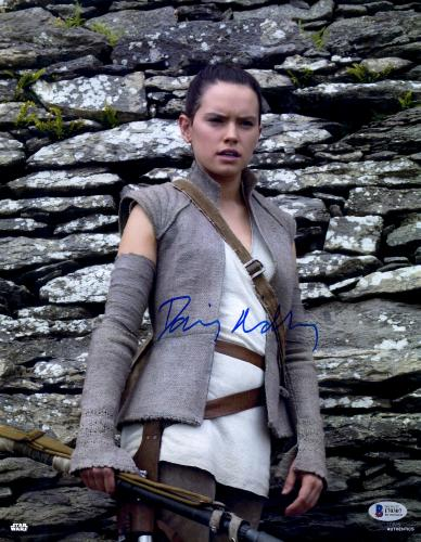 """Daisy Ridley Autographed 11"""" x 14"""" Star Wars The Force Awakens Posing in Front of Rocks Photograph - Beckett"""