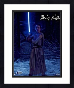Daisy Ridley Signed Star Wars The Force Awakens 8x10 Photo 4 - Rey Beckett BAS