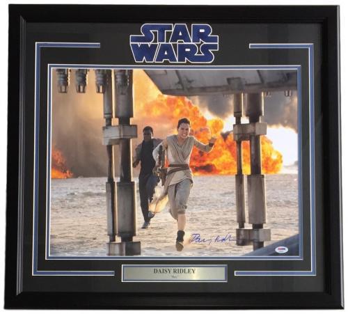 Daisy Ridley Signed Framed 16x20 Star Wars The Force Awakens Run Photo PSA+SI