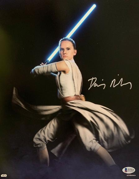 Daisy Ridley Signed Star Wars Jedi Skywalker 11x14 Photo - Rey Beckett BAS 10