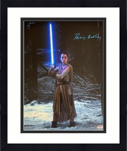 Daisy Ridley Signed Star Wars The Force Awakens 16x20 Photo 4 - Rey PSA DNA COA