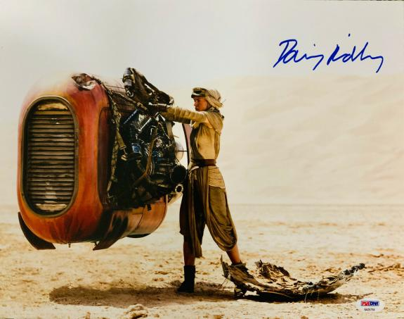 Daisy Ridley Signed Star Wars The Force Awakens 16x20 Photo - Rey PSA DNA COA