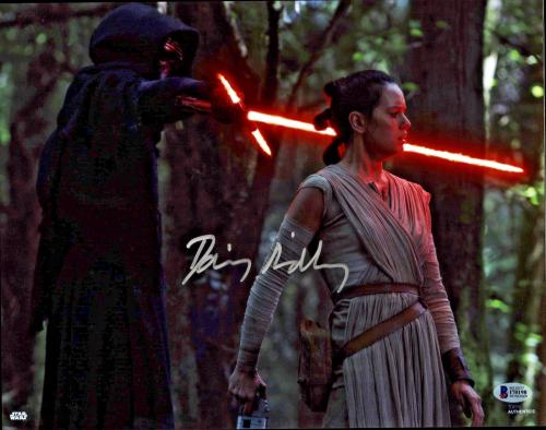 Daisy Ridley Signed Star Wars The Force Awakens 8x10 Photo - Rey Beckett BAS