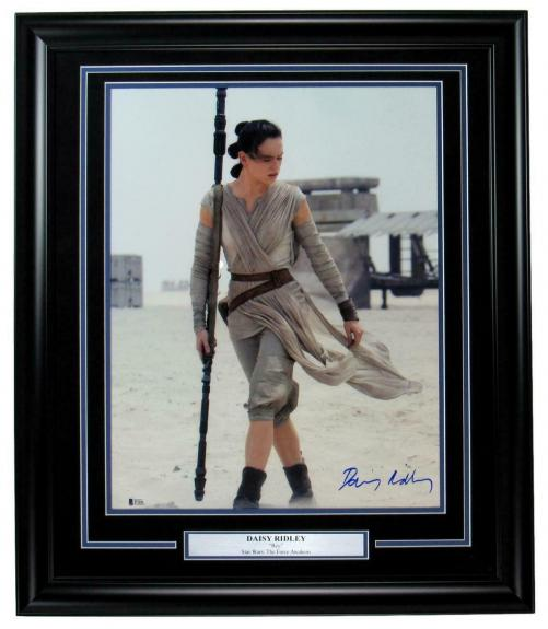 Daisy Ridley Star Wars Signed/Autographed 16x20 Photo Framed Beckett 149416