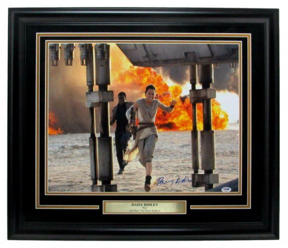 Daisy Ridley Star Wars Signed/Autographed 16x20 Photo Framed PSA/DNA 147971