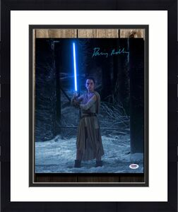 Daisy Ridley STAR WARS The Force Awakens Rey Signed 16x20 Photo PSA COA