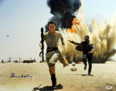 Daisy Ridley Star Wars The Force Awakens Signed 16X20 Photo PSA/DNA ITP #7A88973