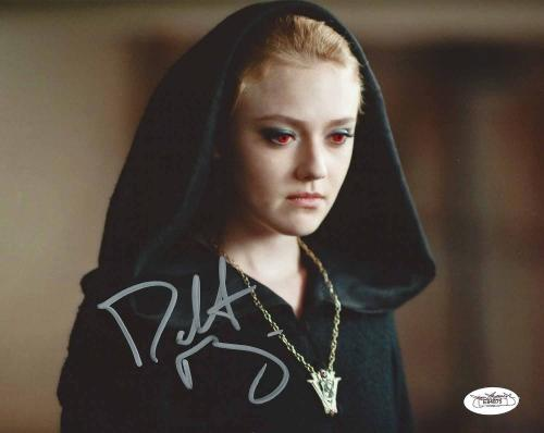 Dakota Fanning Signed 8x10 Color Photo Twilight Jsa Authenticated E84875